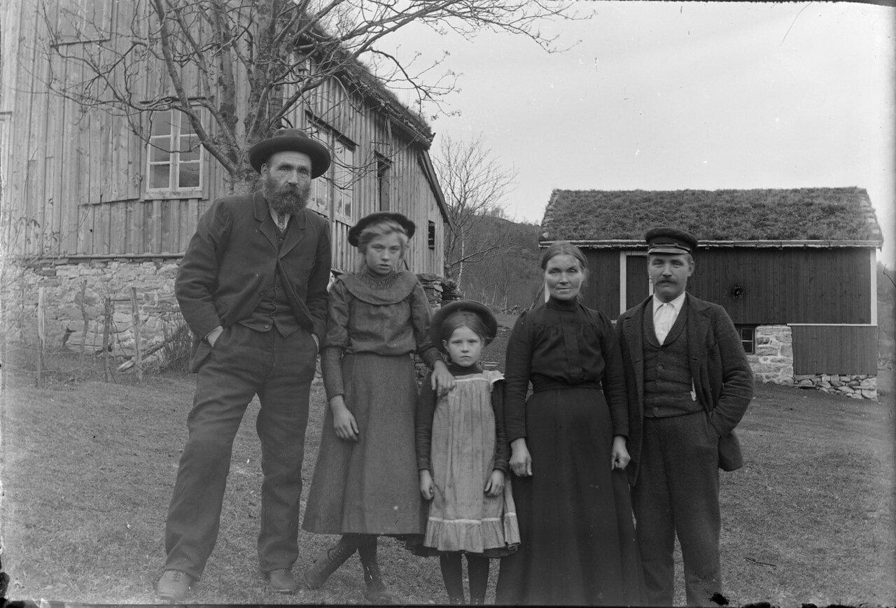 Семейный портрет 1910