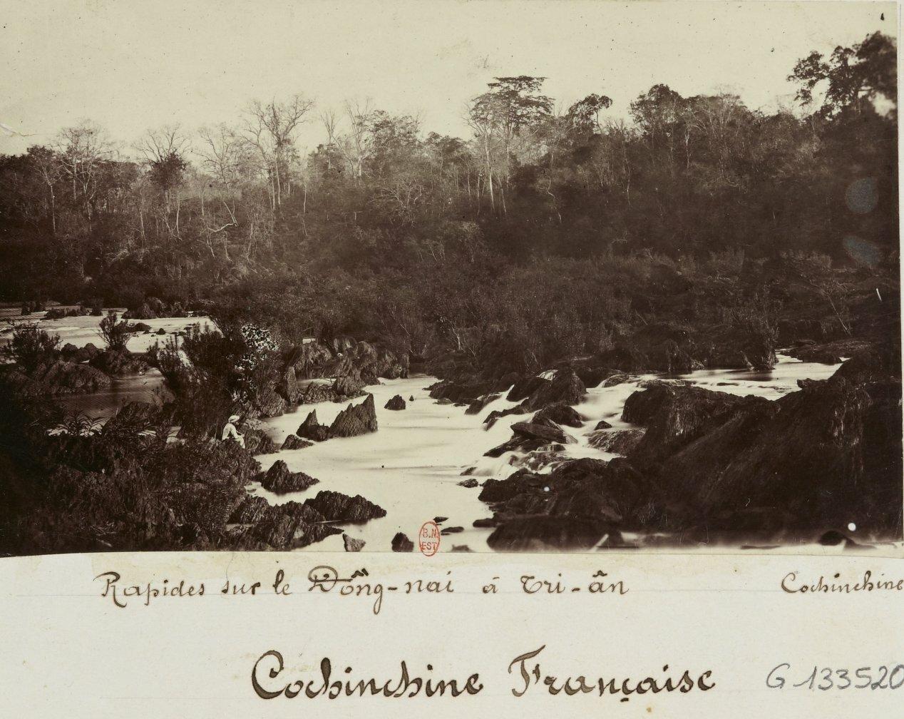 Французская Кохинхина. Река Донг Най