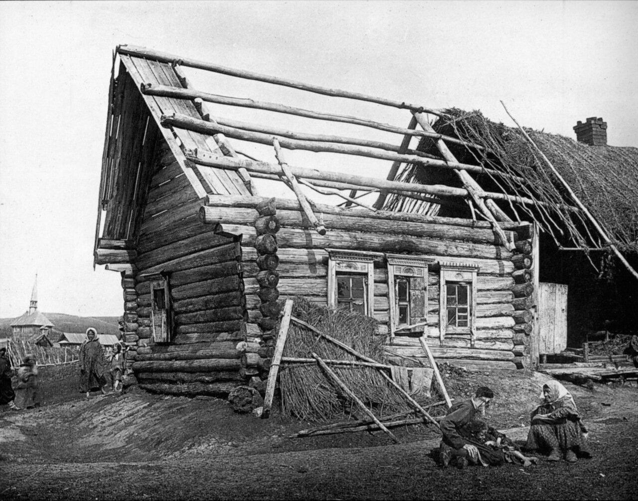 Изба татарина Саловатова в деревне Кадомке Сергачского уезда
