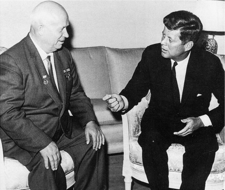 Хрущев встречается с Кеннеди