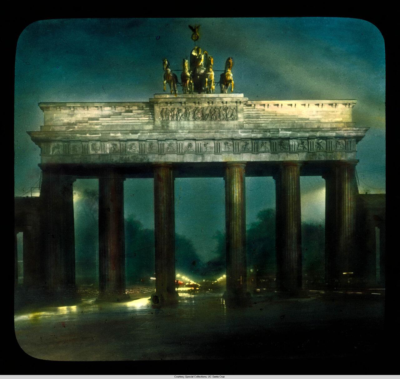 Берлин. Бранденбургские ворота ночью