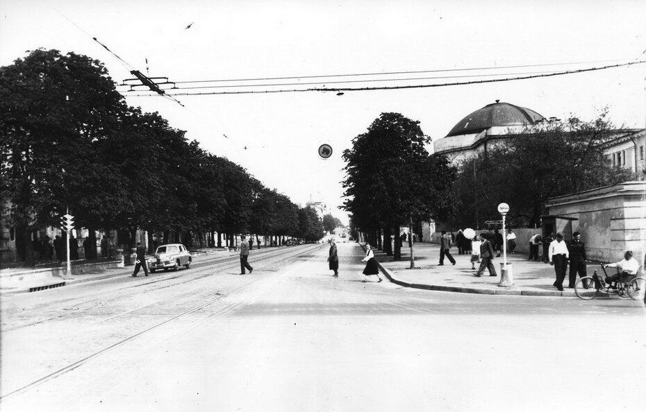 1950. Угол бульвара Шевченко и Владимирской. Фото: Грановский М.