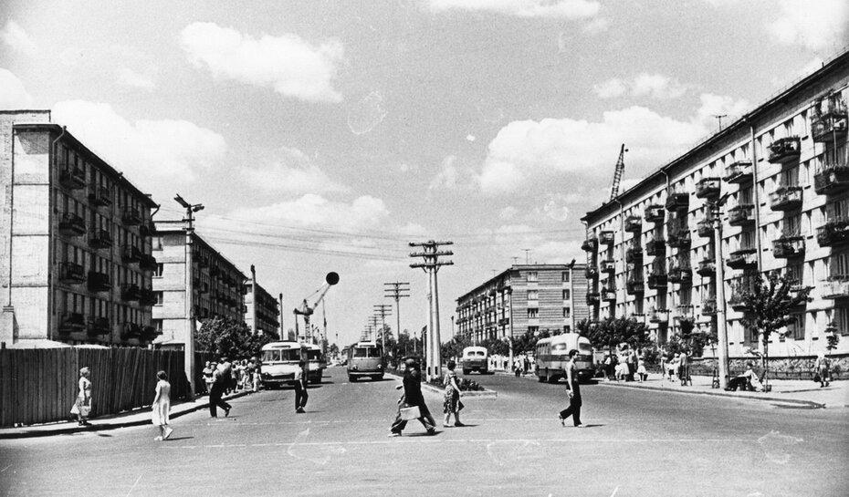 1951.07. Вид проспекта Мира от Ленинградской площади