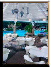 Малайзия. Куала-Лумпур. Renaissance   Hotel. Gazebo Poolside Restaurant