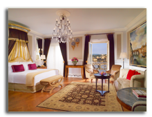 Италия. Флоренция. The St. Regis Florence. Junior Suite Michelangelo - Arno River view