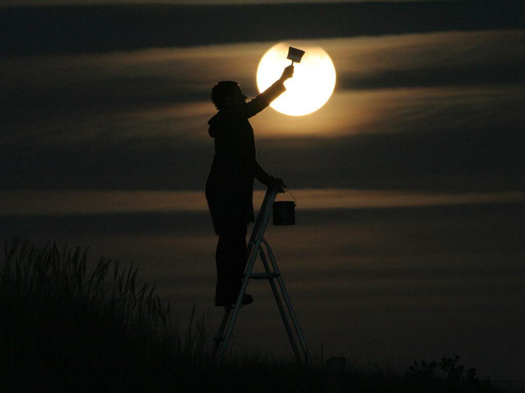 Французский фотограф Лоран Лаведер играет с Луной 0 145d66 fa63b60d orig