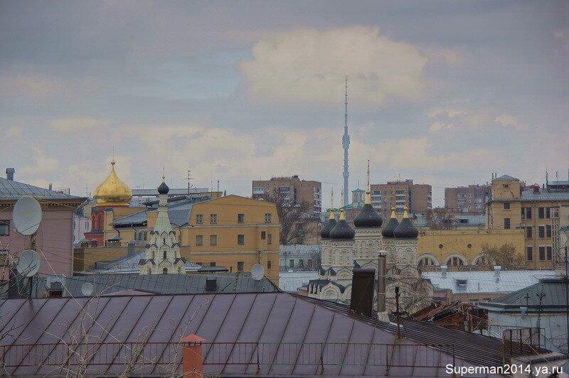 Вид на Москву с колокольни Высоко-Петровского монастыря