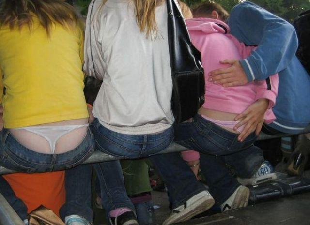 смотреть бесплатно фото спустил девушке штаны