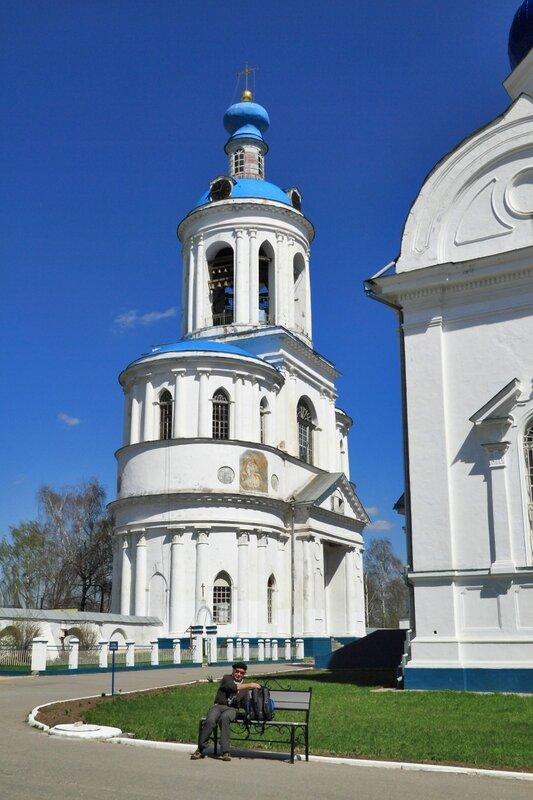 Свято-Боголюбский монастырь, колокольня Всех Святых с надвратной церковью Успения Пресвятой Богородицы, Боголюбово