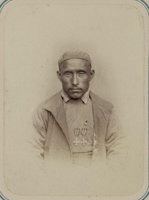 Georgievskie kavalery imieiushchie znaki otlichiia voennago ordena. Za dielo pod Ikanom 5-7-go Dekabria 1864 g. Kirgiz Dzhar Mogomed.