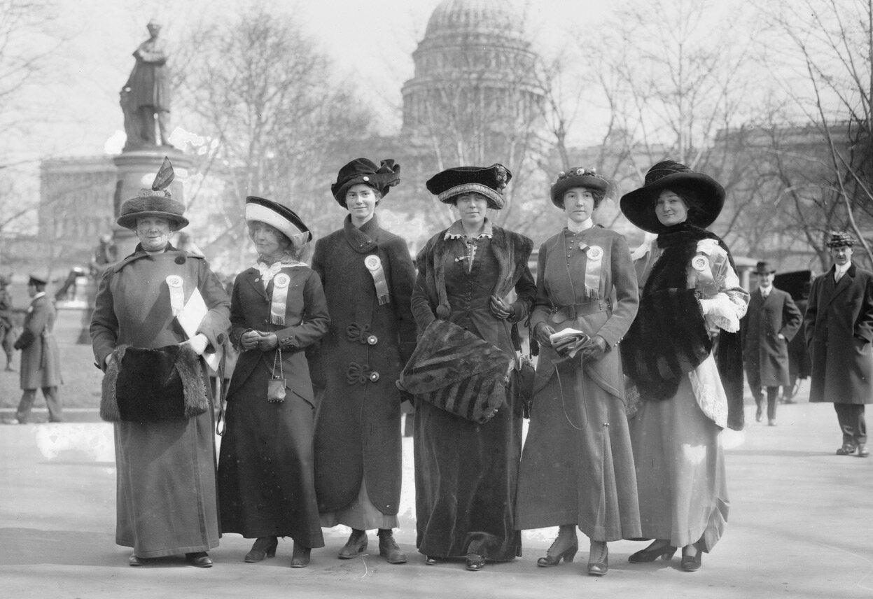 3 марта 1913 г. Участницы парада (слева направо): Рассел МакЛеннан, Алтея Тафт, Лью Бриджес, Ричард Кок Берлсон, Альберта Хилл и Ф. Рэгсдейл.