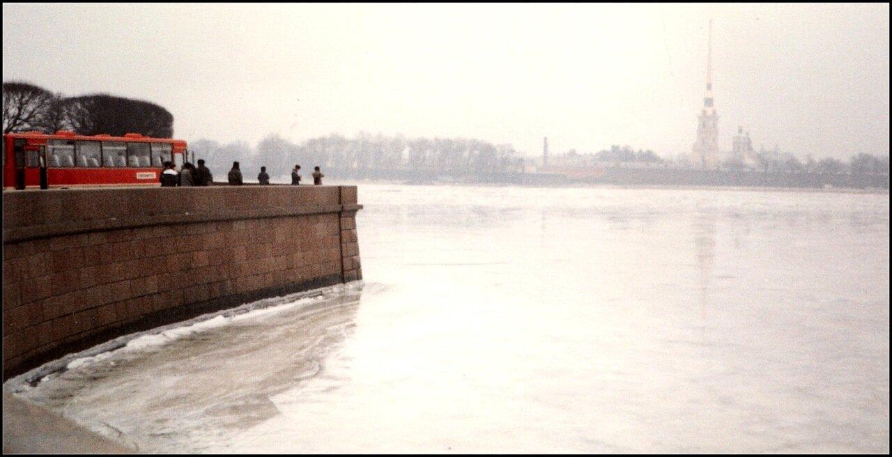 На берегу Невы