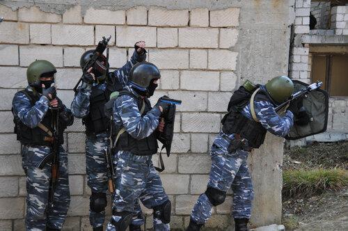 Прокуроры и оперативники СИБ обнаружили в сарае 60 кг ртути