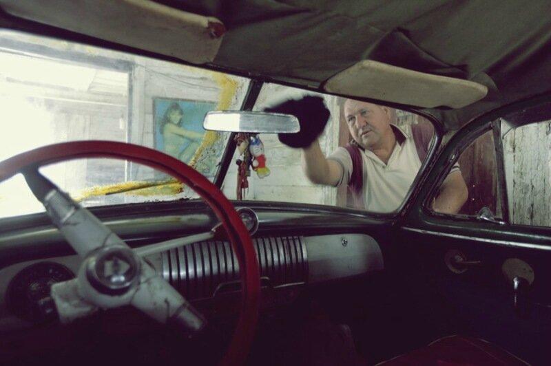 Фотографии кубинских такси в Гаване: единственное средство передвижения туристов