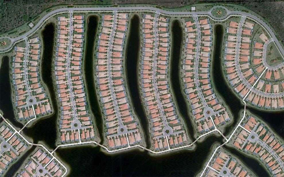21. Часть Верона Уок – района в Неаполе, штат Флорида. (© Google)