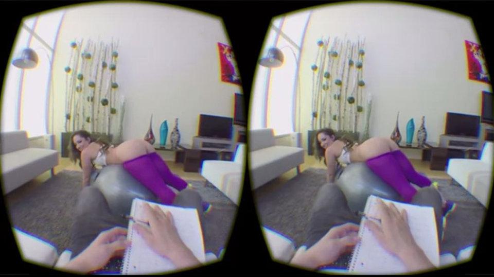 «Порно виртуальной реальности ставит задачу поднять зрительские ощущения на новый уровень, но такой