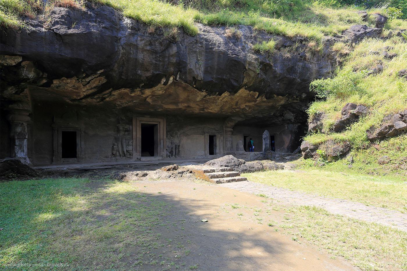 19. Пещера с восточной стороны. Отзыв о поездке на остров Элефанта в Мумбаи. Путешествие по Индии самостоятельно. (17-40, 1/30, 0eV, f9, 17 mm, ISO 100)