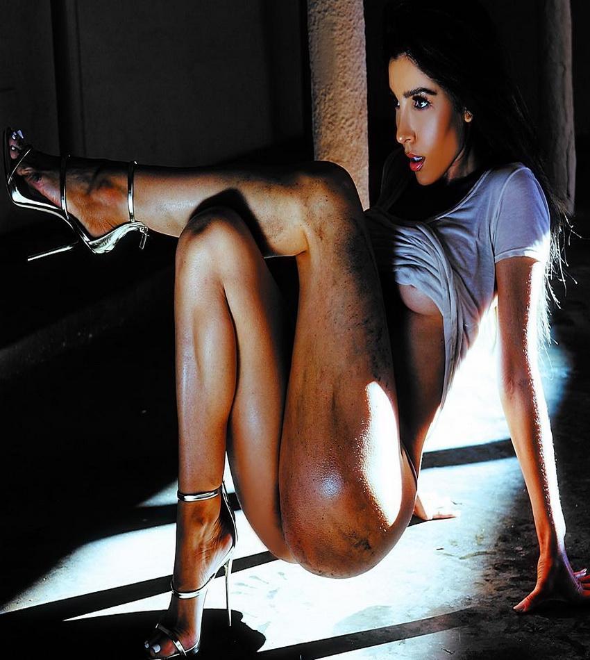 Girls, Girls, Girls: Melissa Molinaro