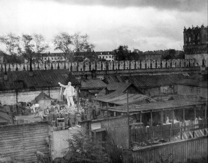 440895 Скульптурная мастерская на территории бывшего Новодевичьего монастыря 1930—1931.jpg