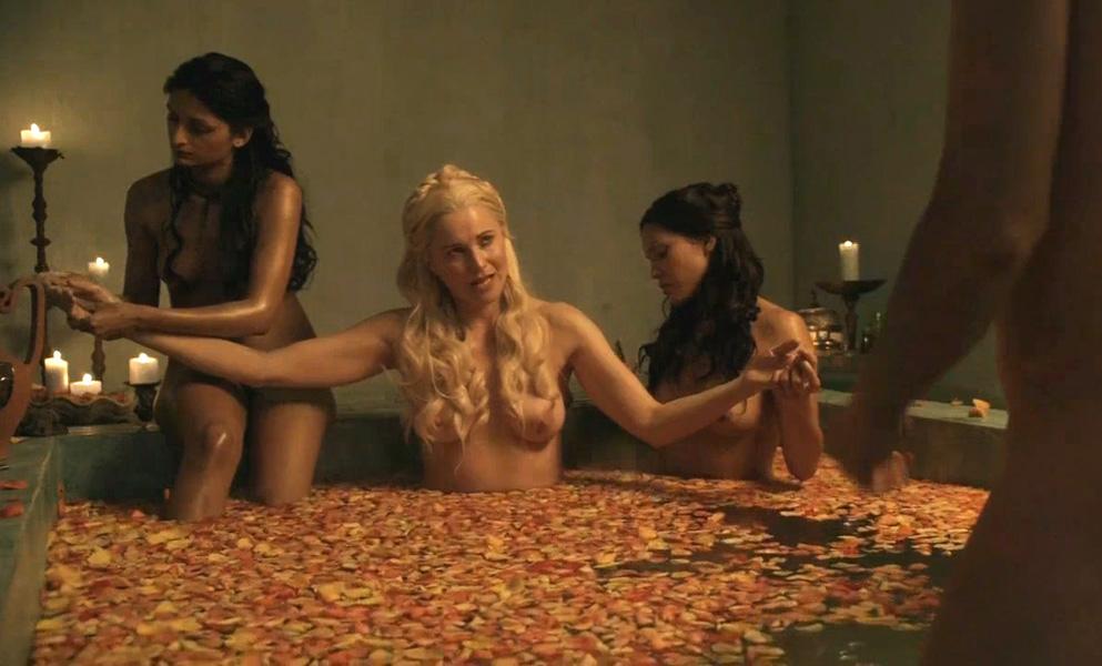 Эротич фильмы о полностью голых, девушки в обтягивающих штанах эротика фото