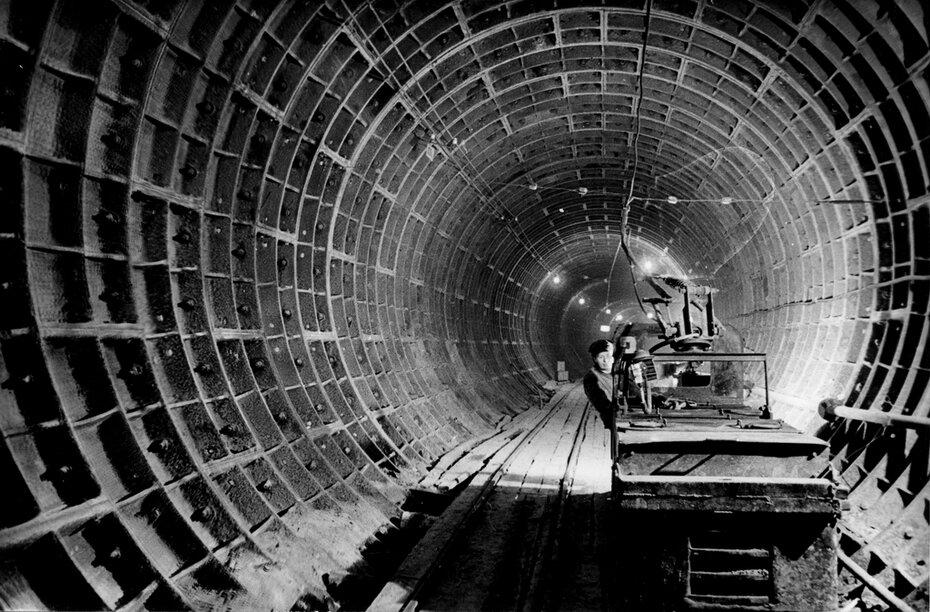 1958.09.04. Тоннель между станциями метро Хрещатик и Университет