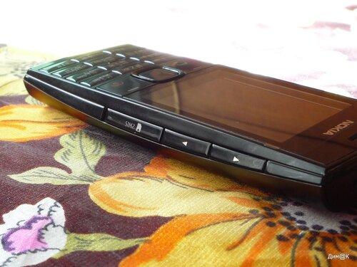 Nokia X2-02 (правая грань)