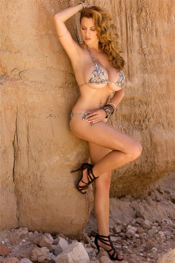 Desert Queen - Jordan Carver / Джордан Карвер - сексуальная королева пустыни
