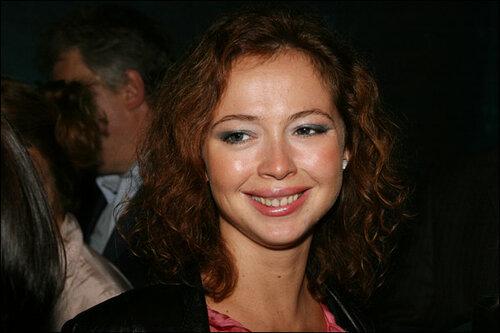Елена Захарова хочет найти настоящего мужчину