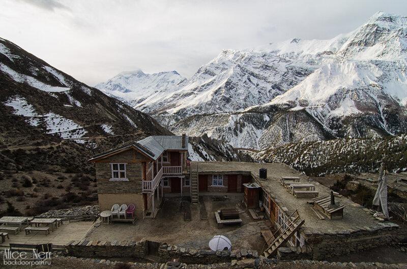 гунунг, гестхаус, снежные пики, закат в горах, гималаи, непал