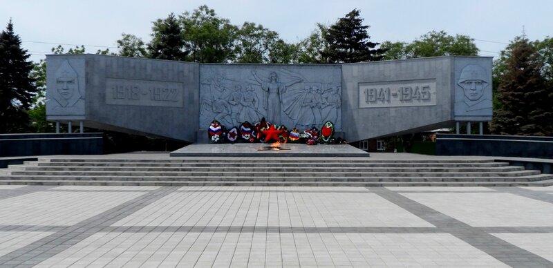 На площади Революции