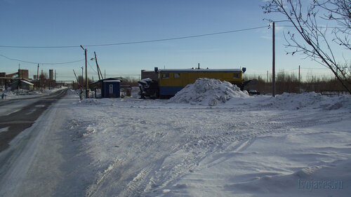 Фотография Инты №3165  Улица Индустриальная в восточном направлении, в районе входа на