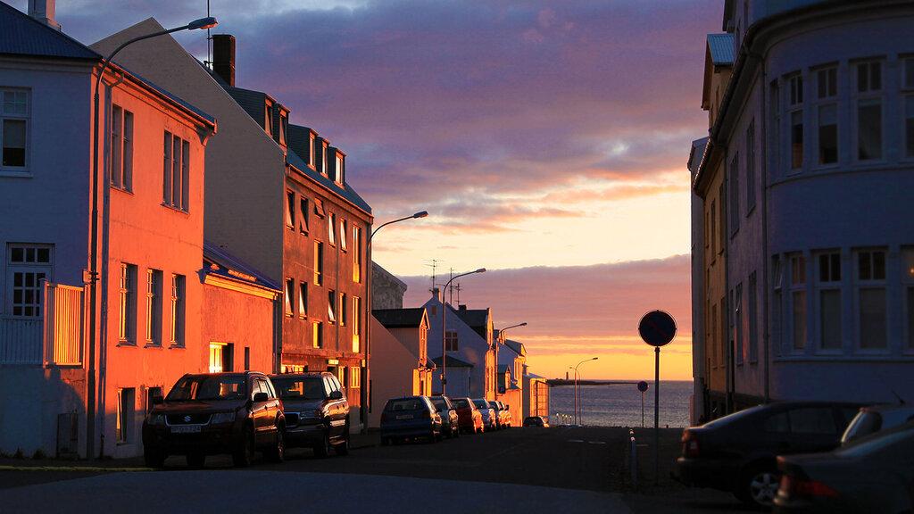 160506_2855_street_sunset