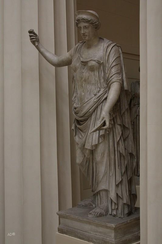 Слепок статуи богини Гера (Юнона) Барберини, мрамор, высота 185 см, II век