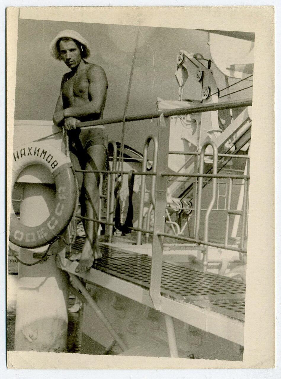 На Адмирале Нахимове («Berlin») за 2 недели до гибели.