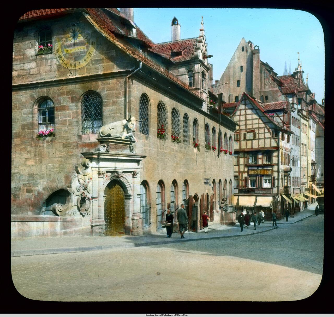 Нюренберг. Мясная лавка с воротами эпохи Ренессанса (1599)