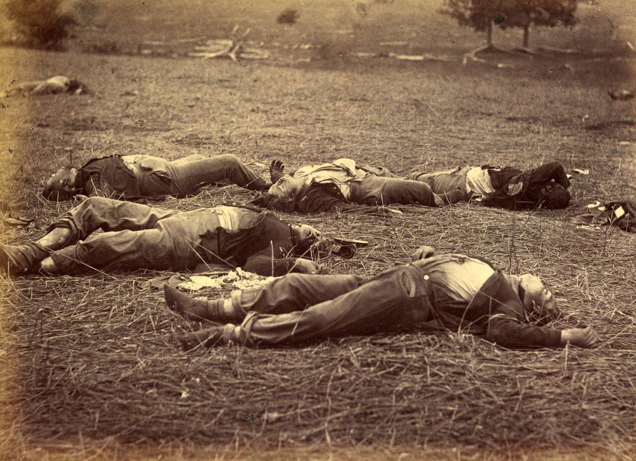 Место, где упал сраженный генерал Рейнольдс во битвы при Геттисберге, штат Пенсильвания. Июль 1863