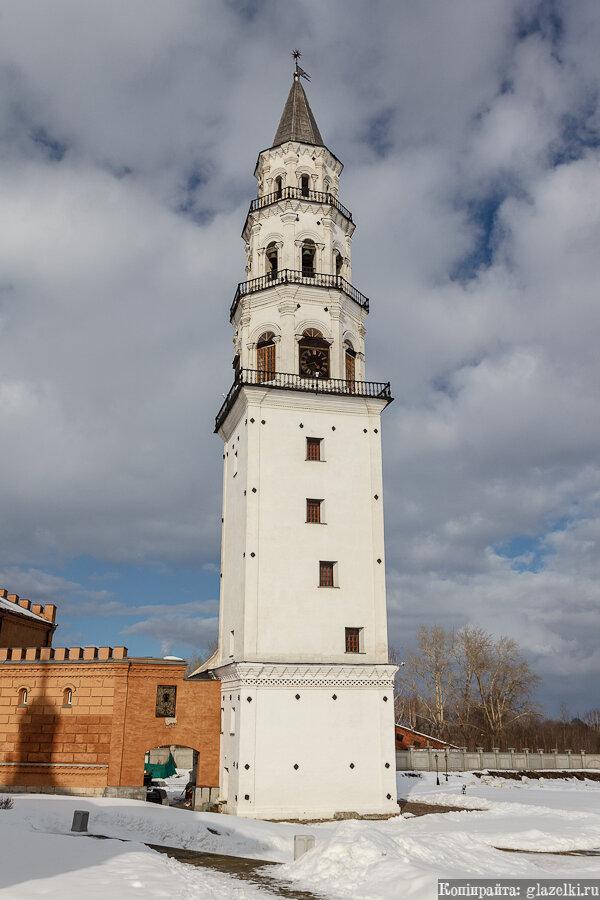 Невьянская падающая башня.