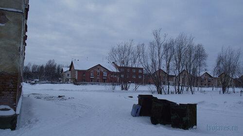 Фотография Инты №2818  Коммунистическая 10, 9, 8 и 7(слева кадра часть дома Коммунистическая 18) 31.01.2013_13:30