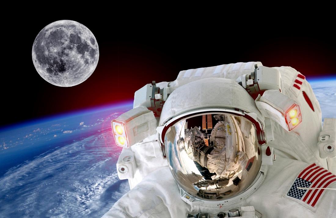 1. Полет в космос — от 1 800 000 000 руб. Экскурсия длится около десяти дней, из которых шесть вы пр