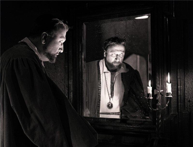 """""""Гамлет"""", режиссер Григорий Козинцев. Клавдий - Михаил Названов."""