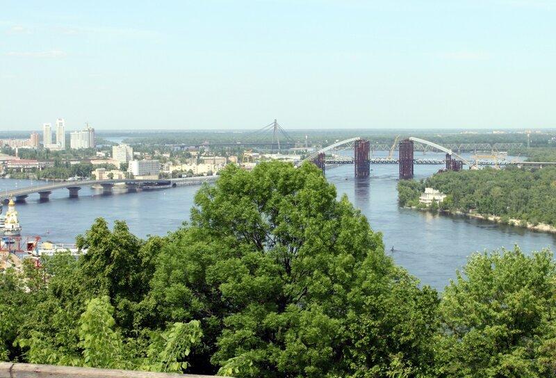 Вид на Днепр с верхней площадки обозрения