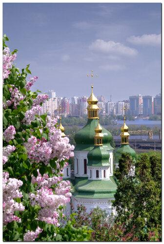 Вид на Выдубицкий монастырь