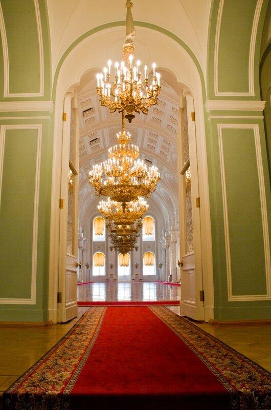 Вход в Георгиевский зал