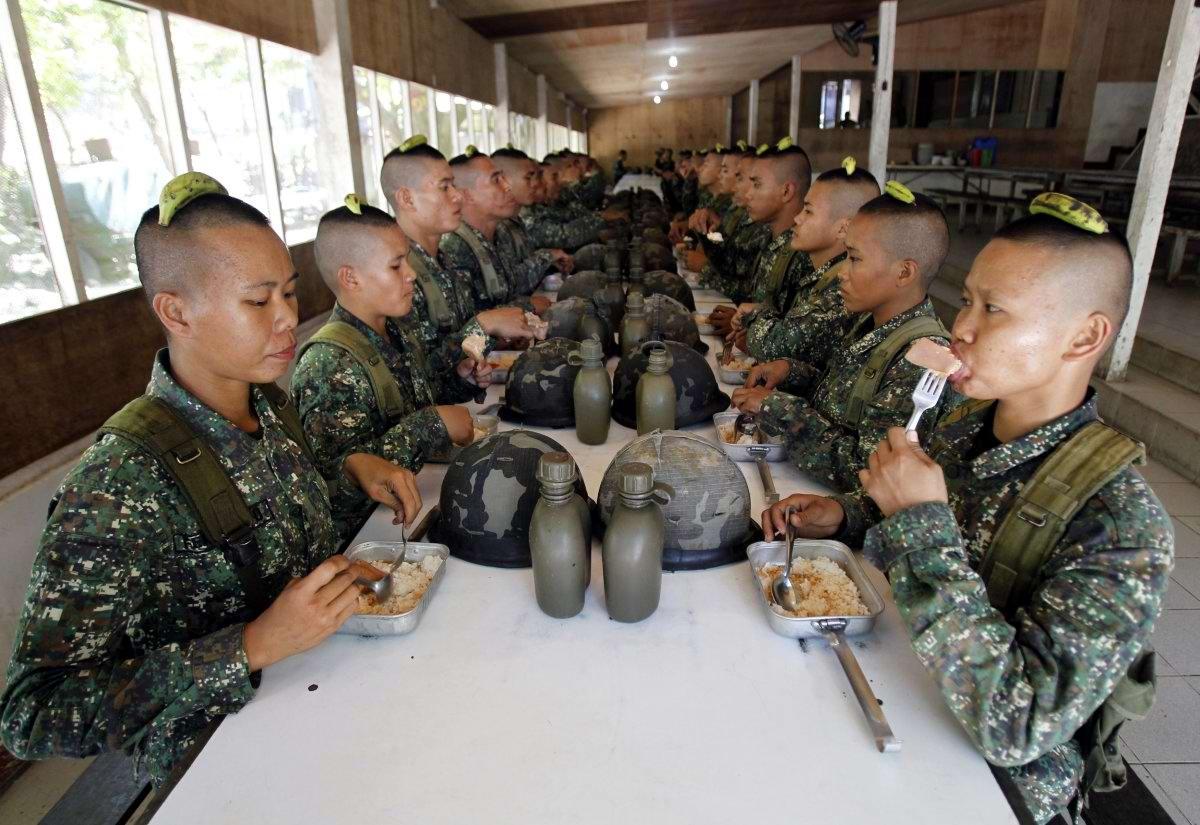 На учебном поле брани: Картинки из жизни бойцов различных спецназов (1)