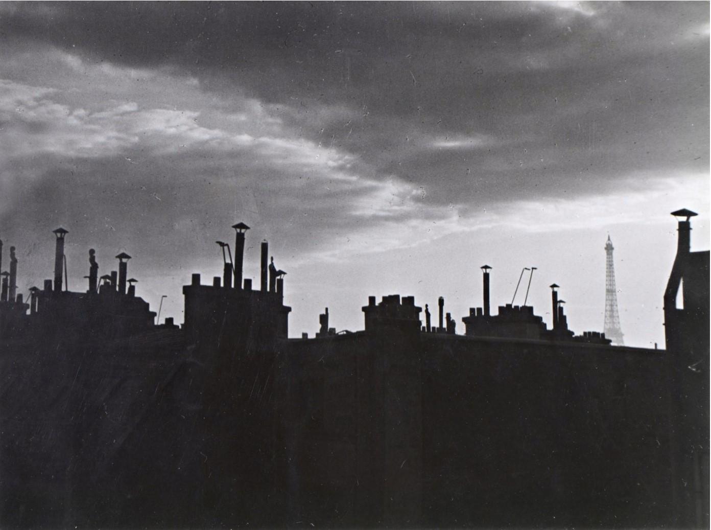 1932. Вид на парижские крыши  из мастерской Пикассо