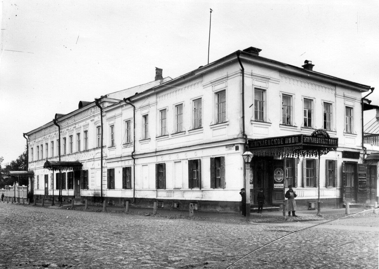 Перекрёсток Малой Покровки и Ильинки