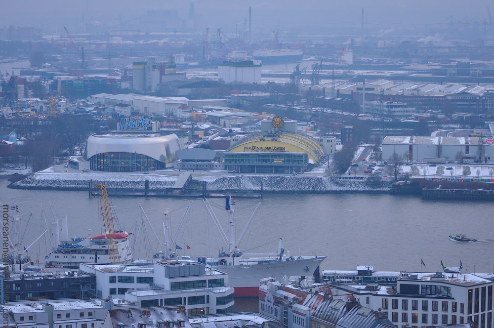 Hamburg-fom-the-Top-(4).jpg