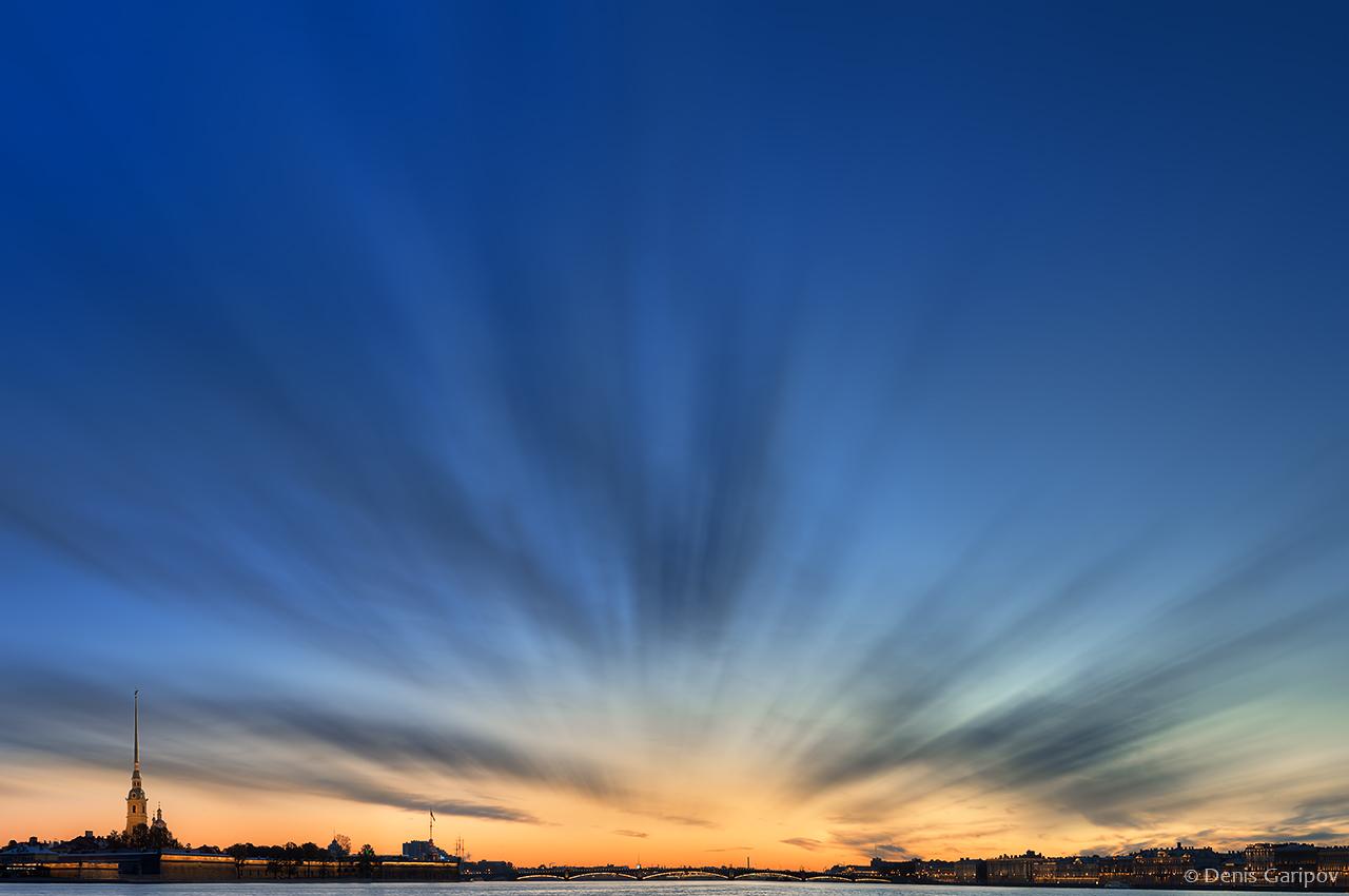 Рассвет над рекой Невой
