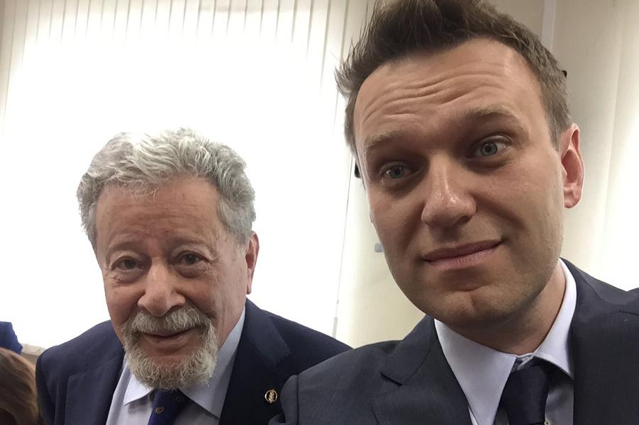 Навальный и адвокат Усманова Генрих Падва.png
