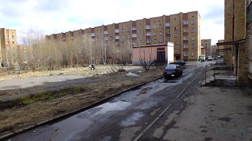 Фото города Инта №4367  Воркутинская 13 и двор Мира 43 07.05.2013_13:24